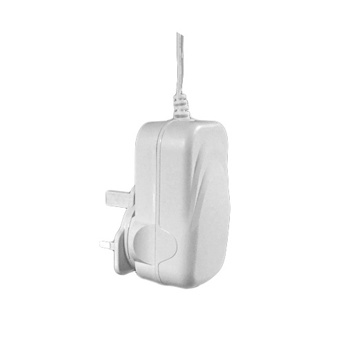 Plug in power supply for battery powered roller blinds
